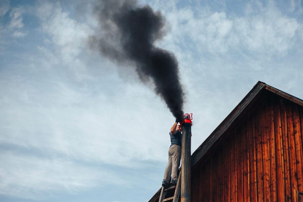 Quando e come effettuare la pulizia della canna fumaria?